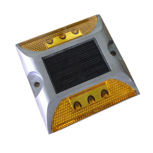 Solar road spike